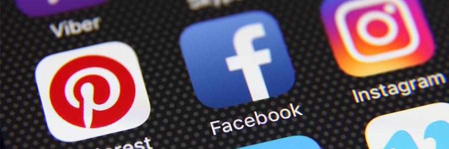 How do I create an effective Facebook ad?